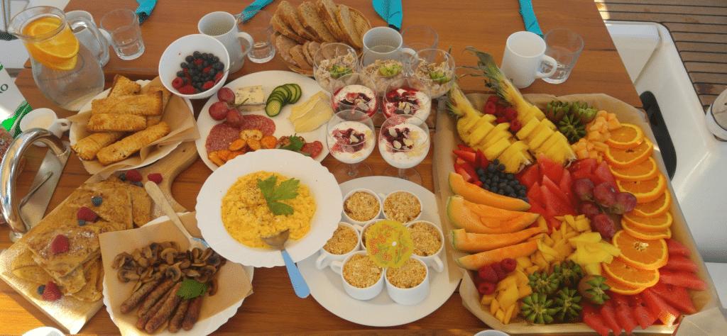 Desayuno en velero