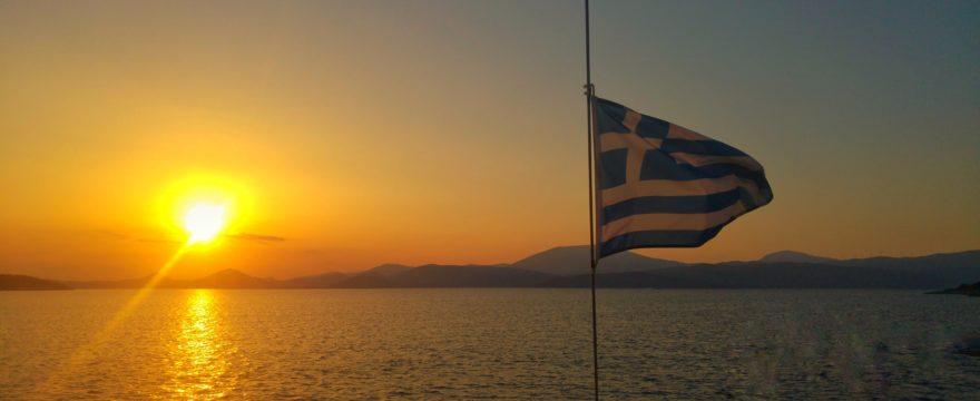 Puesta de sol desde un velero en Grecia